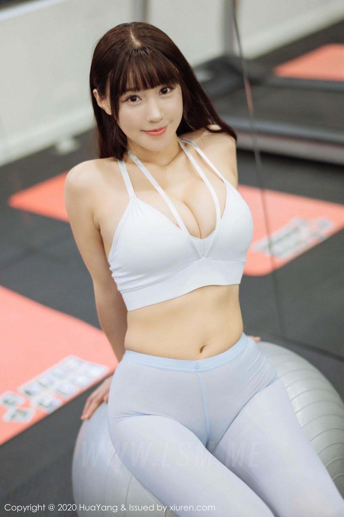 健身房无内透视紧身裤b勒了一条缝第1张