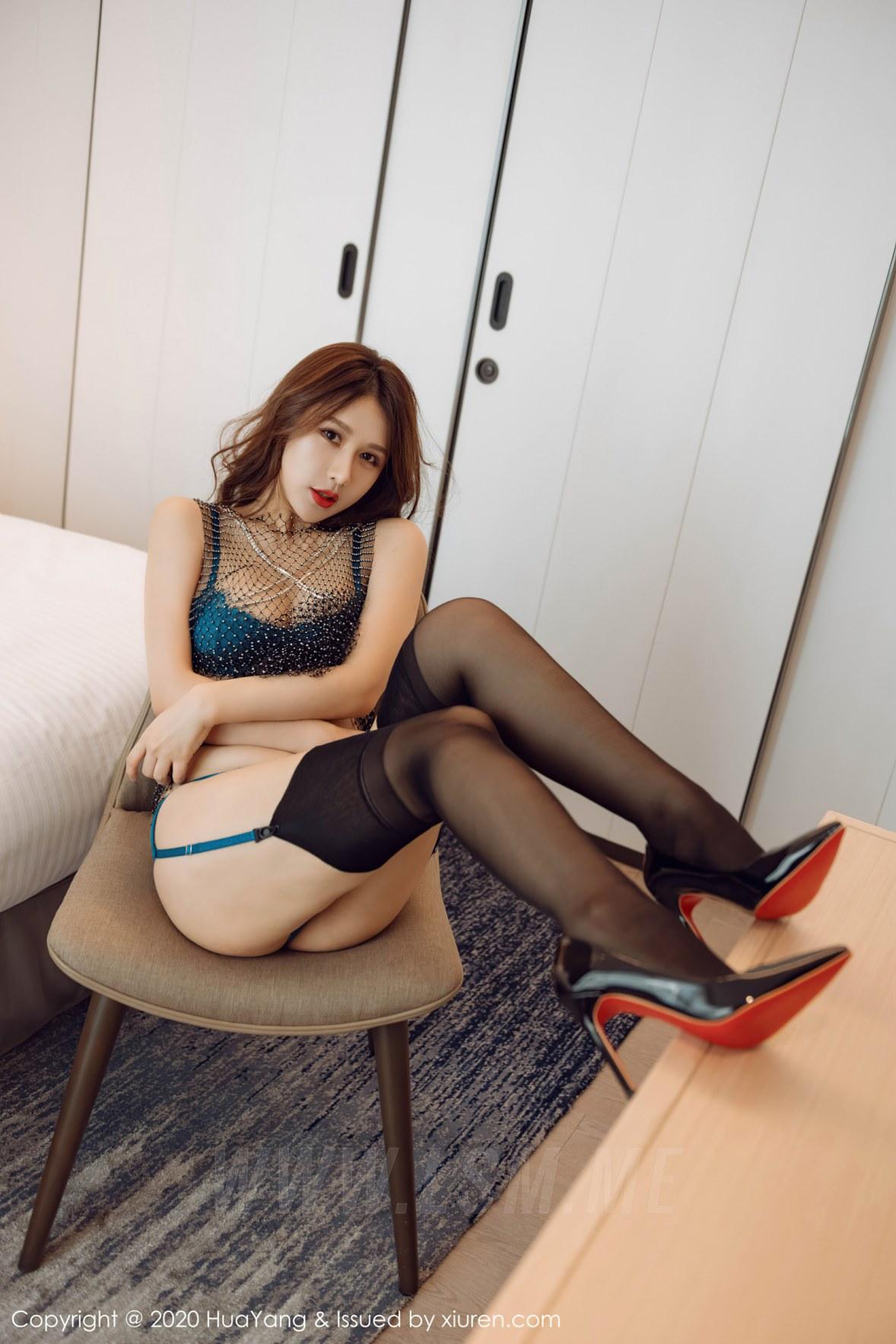 HuaYang 花漾show Vol.301 蓝色蕾丝内衣 徐安安 - 1