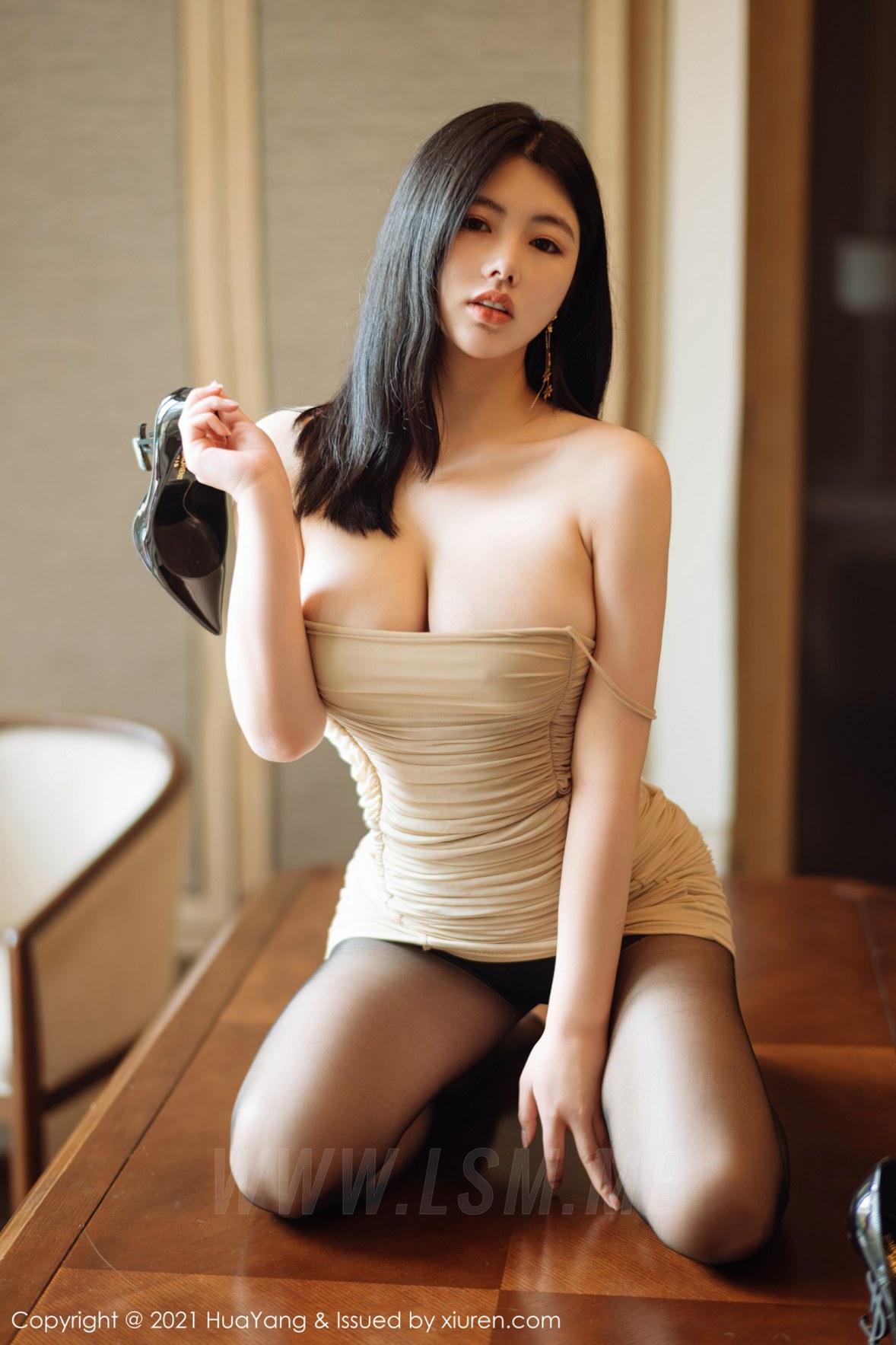 HuaYang 花漾show Vol.354 超低深v裙 娜露 - 2
