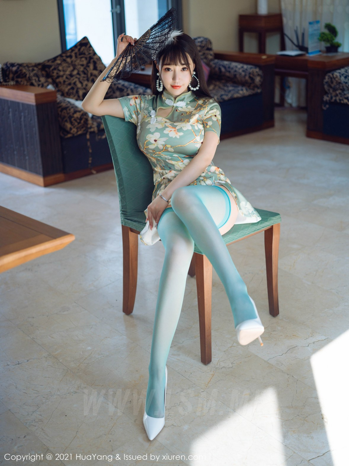 HuaYang 花漾show Vol.390 青瓷色旗袍 朱可儿Flower 三亚旅拍写真 - 2