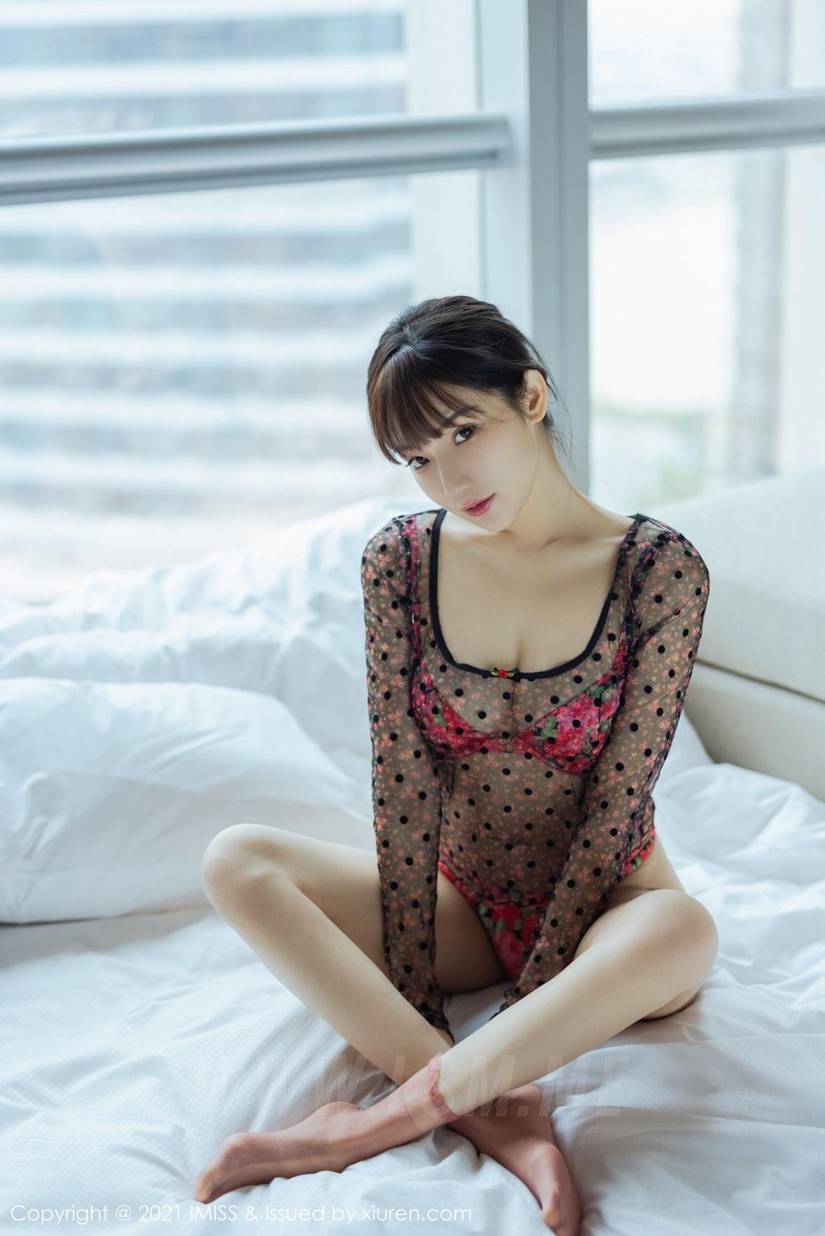 IMiss 爱蜜社 Vol.574 小狐狸Kathryn 色彩鲜艳诱人的内衣 - 3