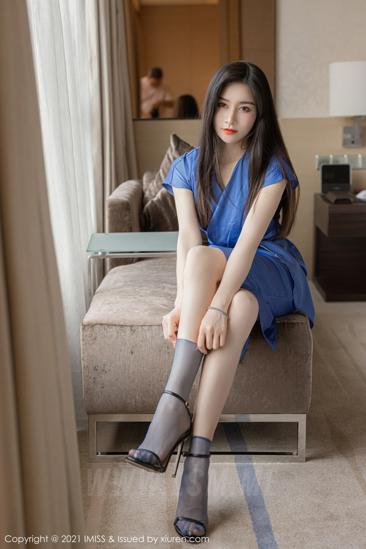 IMiss 爱蜜社 Vol.626 气质美女多姿礼裙 Vanessa 性感写真3 - 2