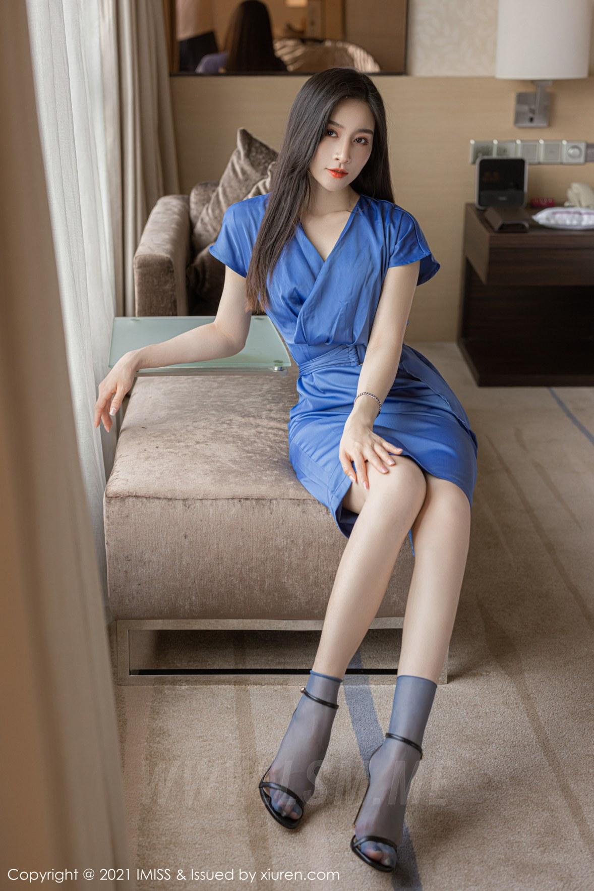 IMiss 爱蜜社 Vol.626 气质美女多姿礼裙 Vanessa 性感写真3 - 3