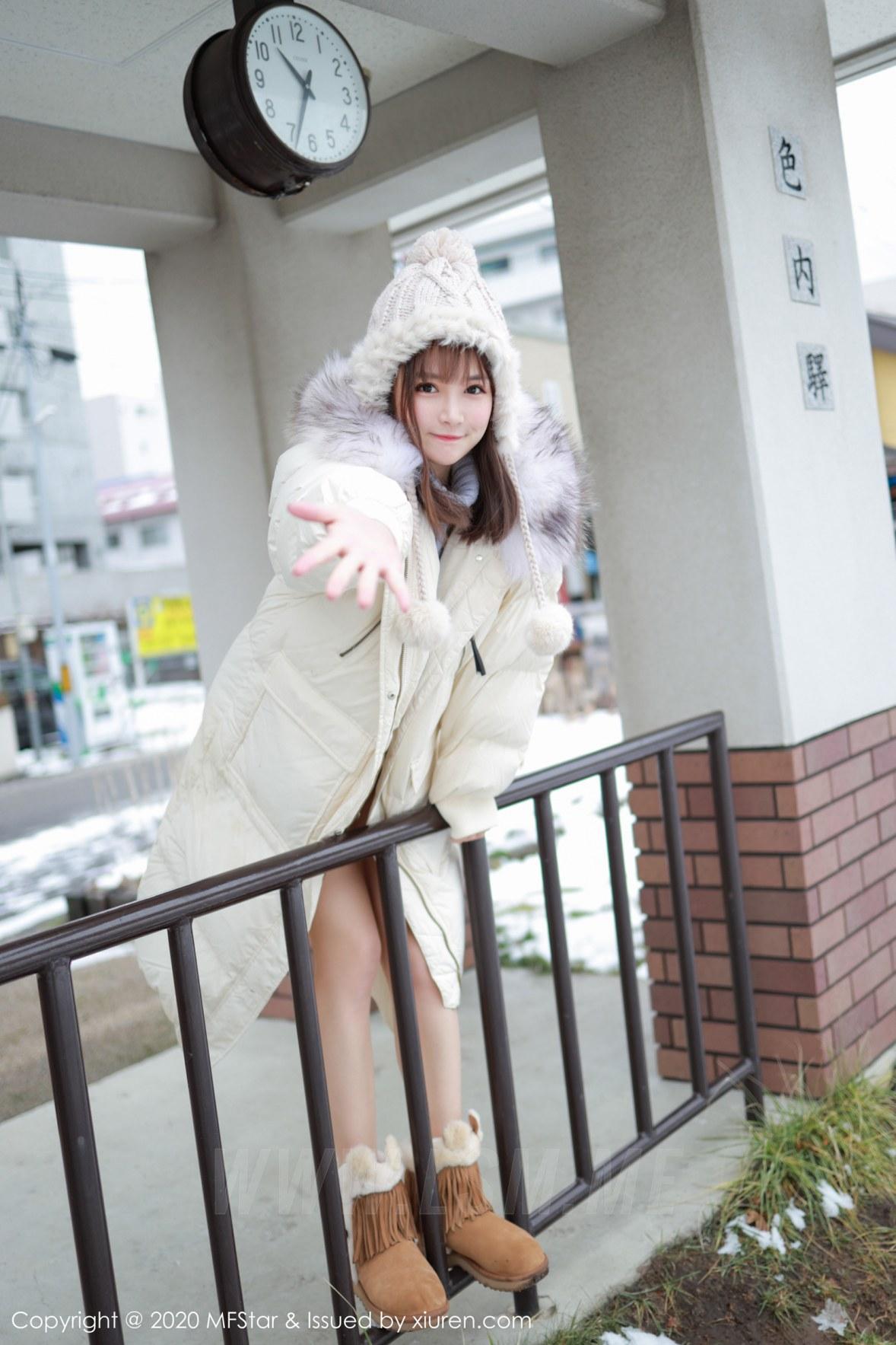 MFStar 模范学院 Vol.262 开背毛衣系列 恩率babe 北海道旅拍写真 - 2