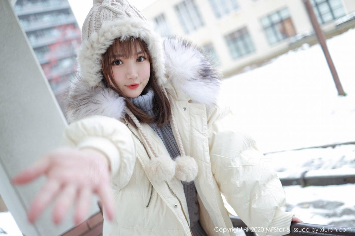 MFStar 模范学院 Vol.262 开背毛衣系列 恩率babe 北海道旅拍写真 - 3