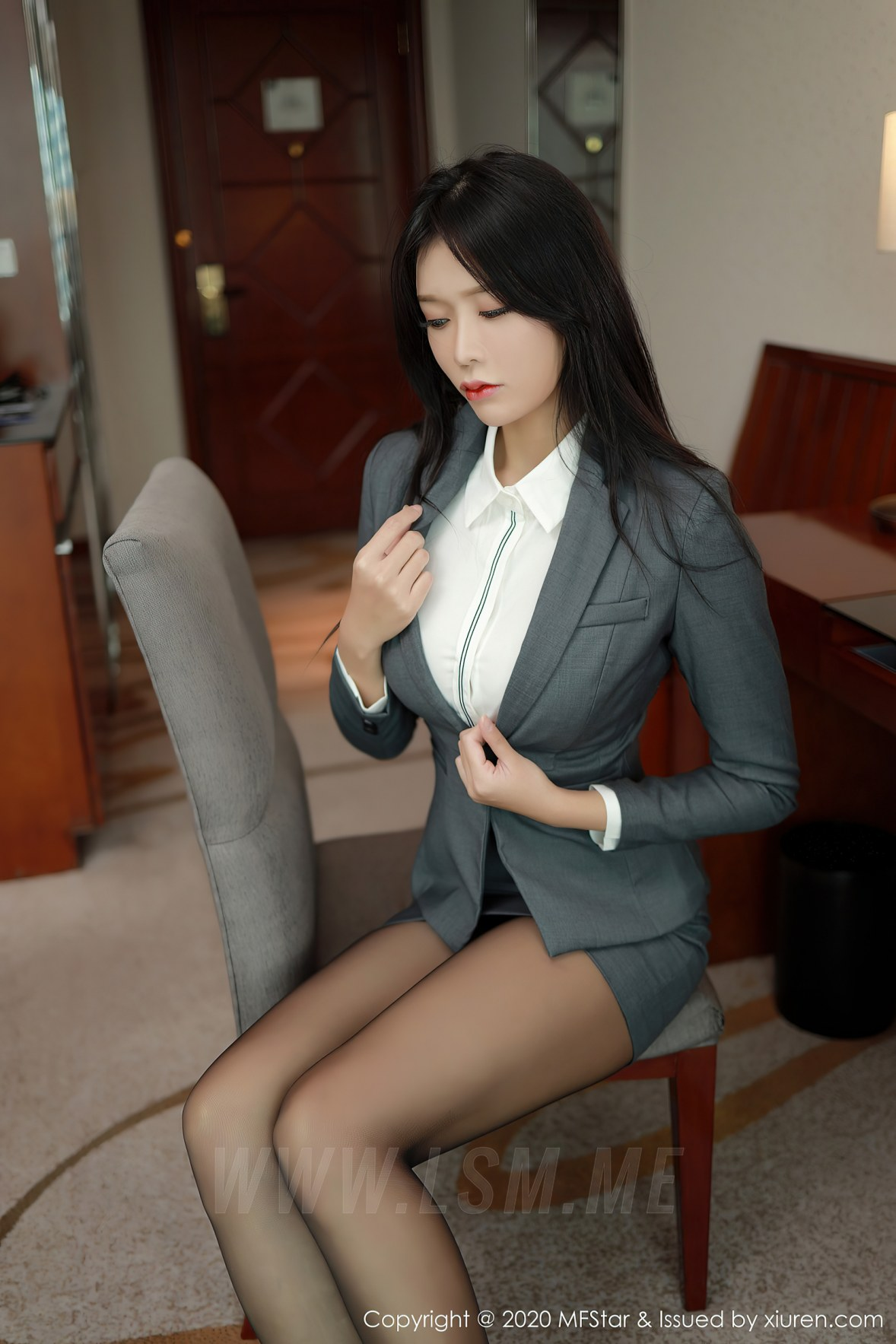 MFStar 模范学院 Vol.426  性感短裙爆乳 娜比 - 3