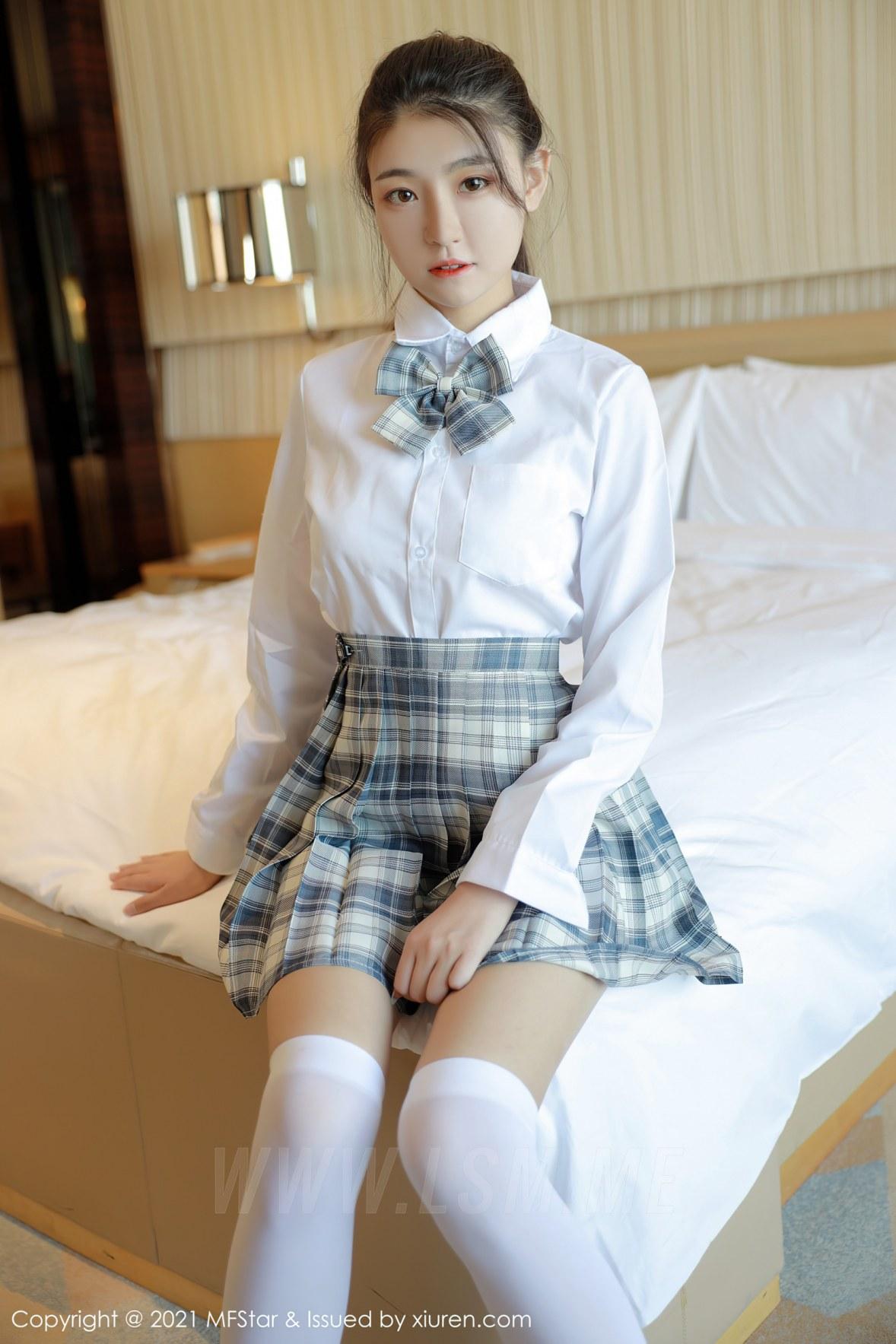 MFStar 模范学院 Vol.448  格子jk清纯少女 苏雨彤 - 2