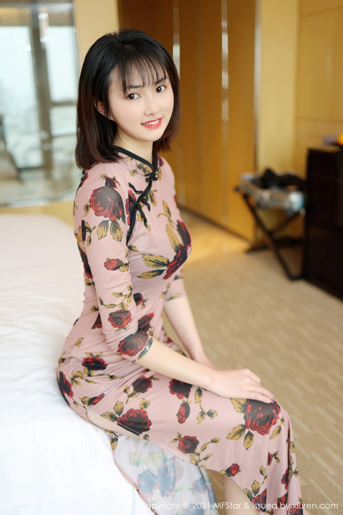 MFStar 模范学院 Vol.483 肉感妹子古典旗袍  墨韩 新人模特... - 3
