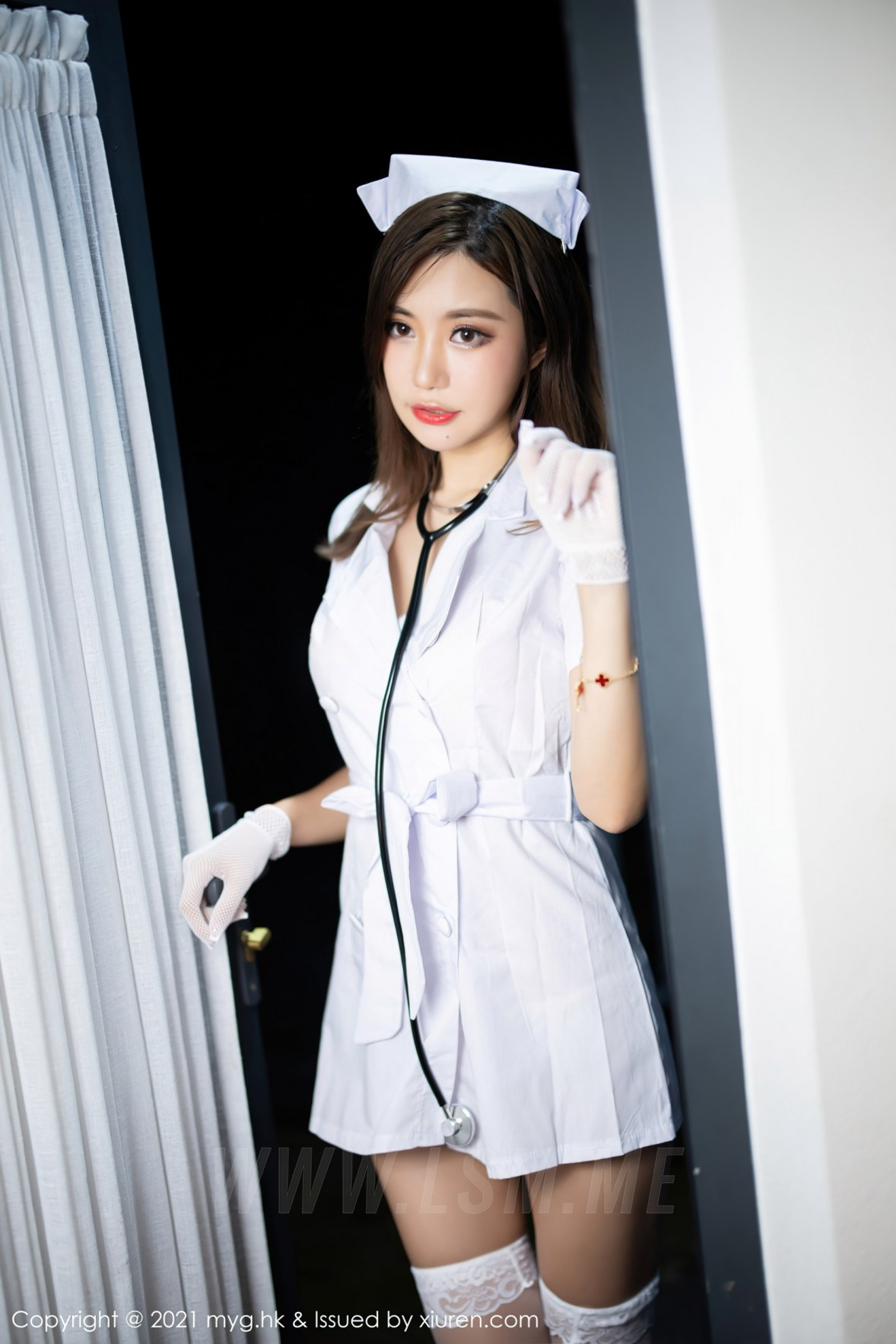 MyGirl 美媛馆 Vol.578 护士制服主题 绮里嘉Carina 杭州旅拍111 - 1