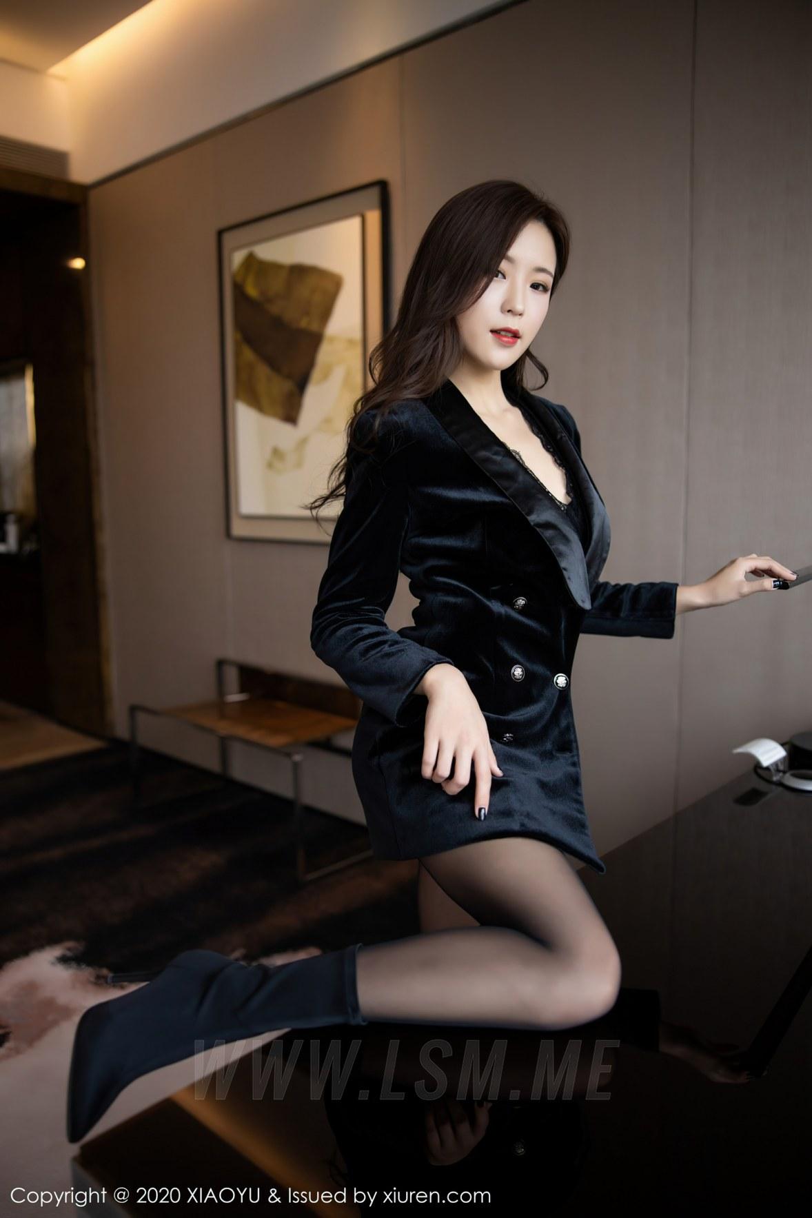 XIAOYU  语画界 Vol.400 杨紫嫣 都市风格装扮修长美腿 - 2