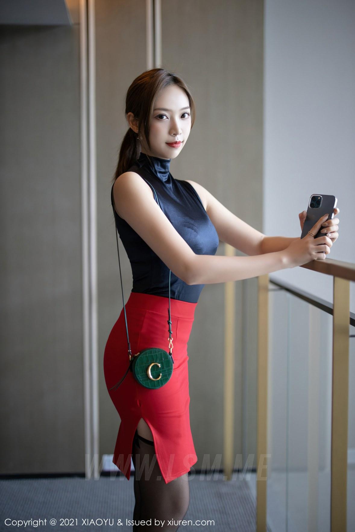 XIAOYU  语画界 Vol.491 黑丝吊袜都市OL 郑颖姗 性感写真 - 1
