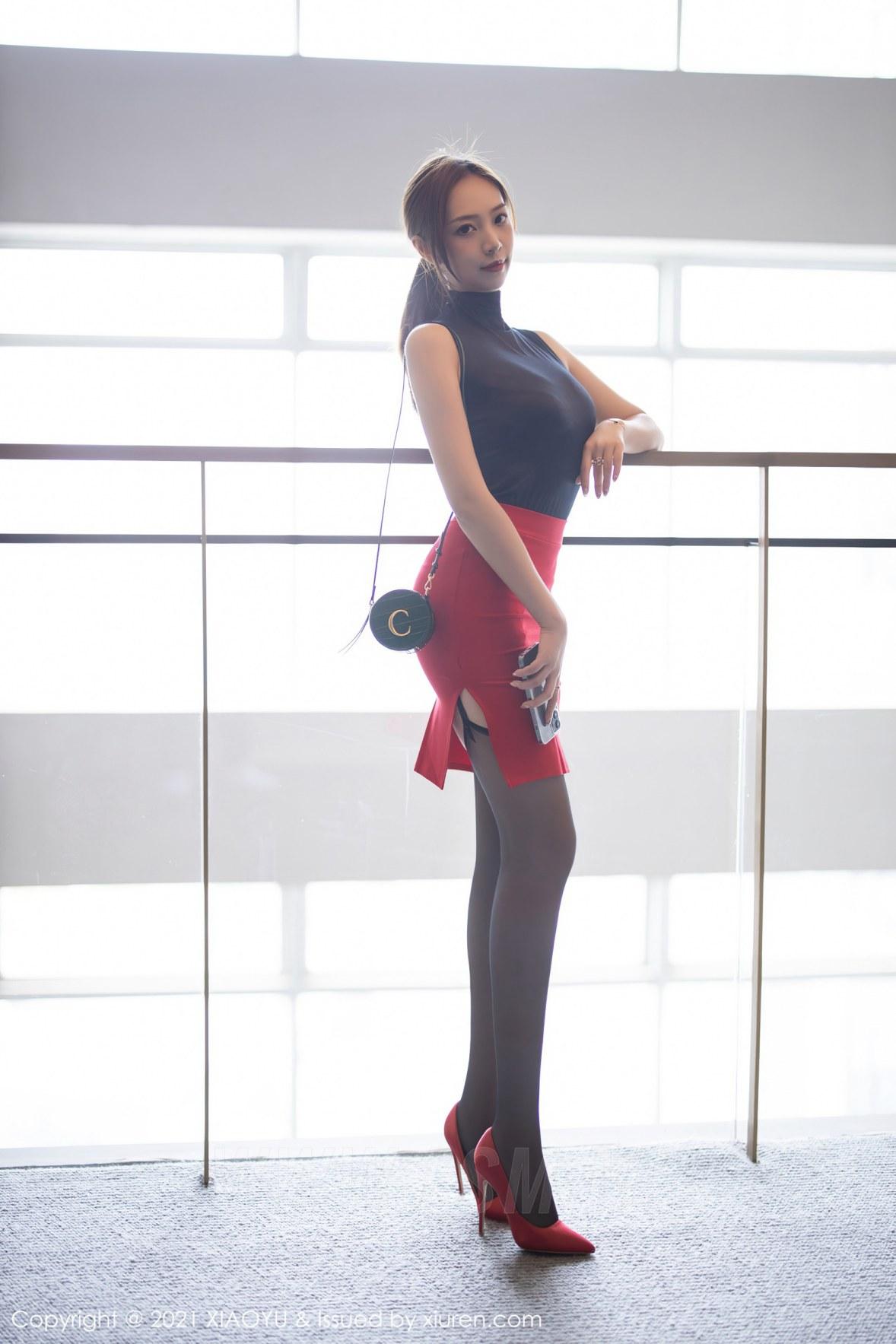 XIAOYU  语画界 Vol.491 黑丝吊袜都市OL 郑颖姗 性感写真 - 3