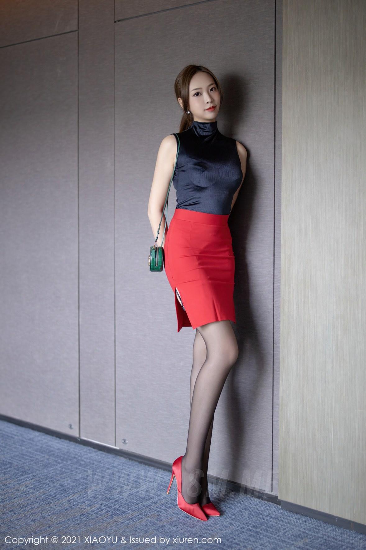 XIAOYU  语画界 Vol.491 黑丝吊袜都市OL 郑颖姗 性感写真 - 4