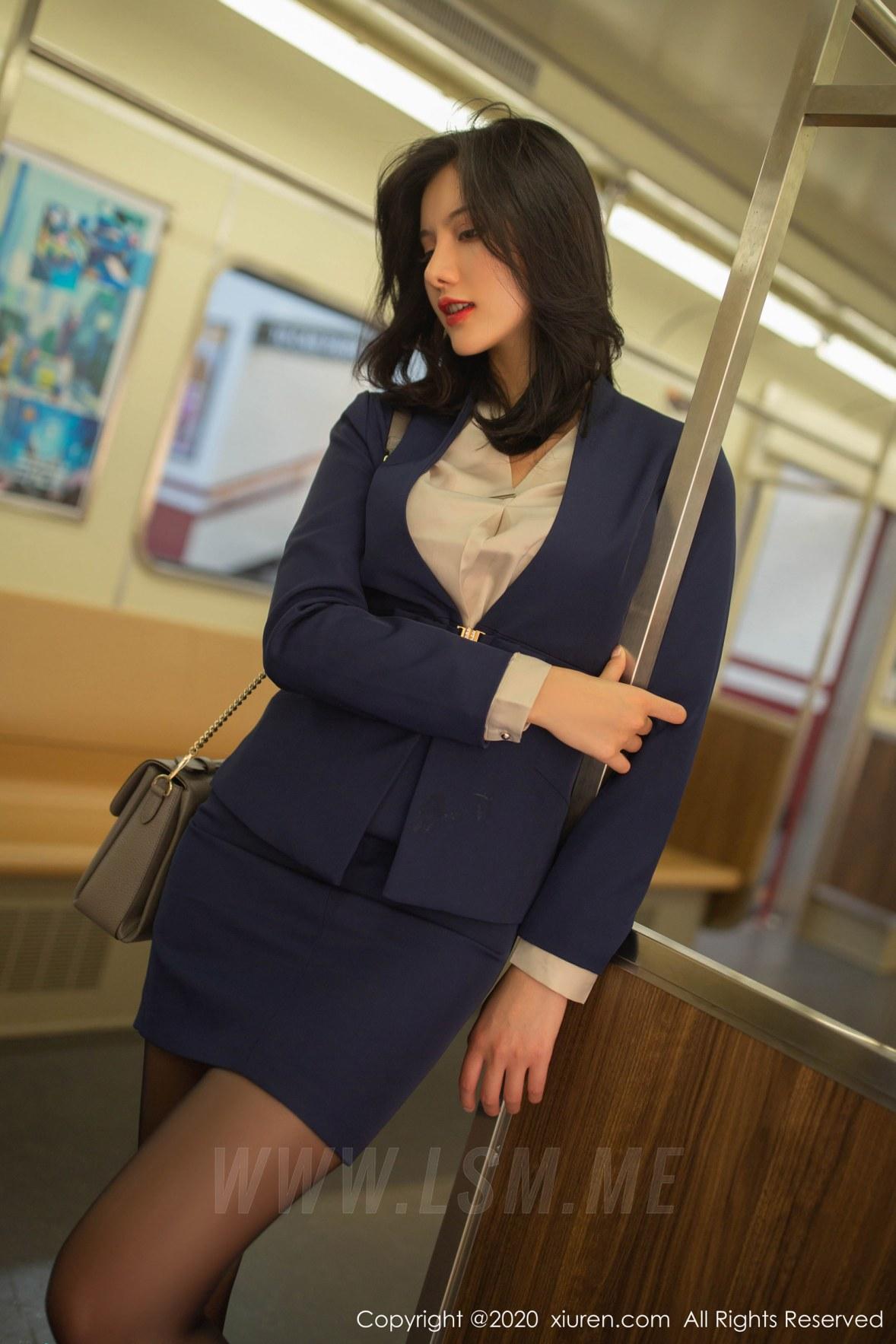 XiuRen 秀人 No.1965 地铁站主题写真 就是阿朱啊 - 1