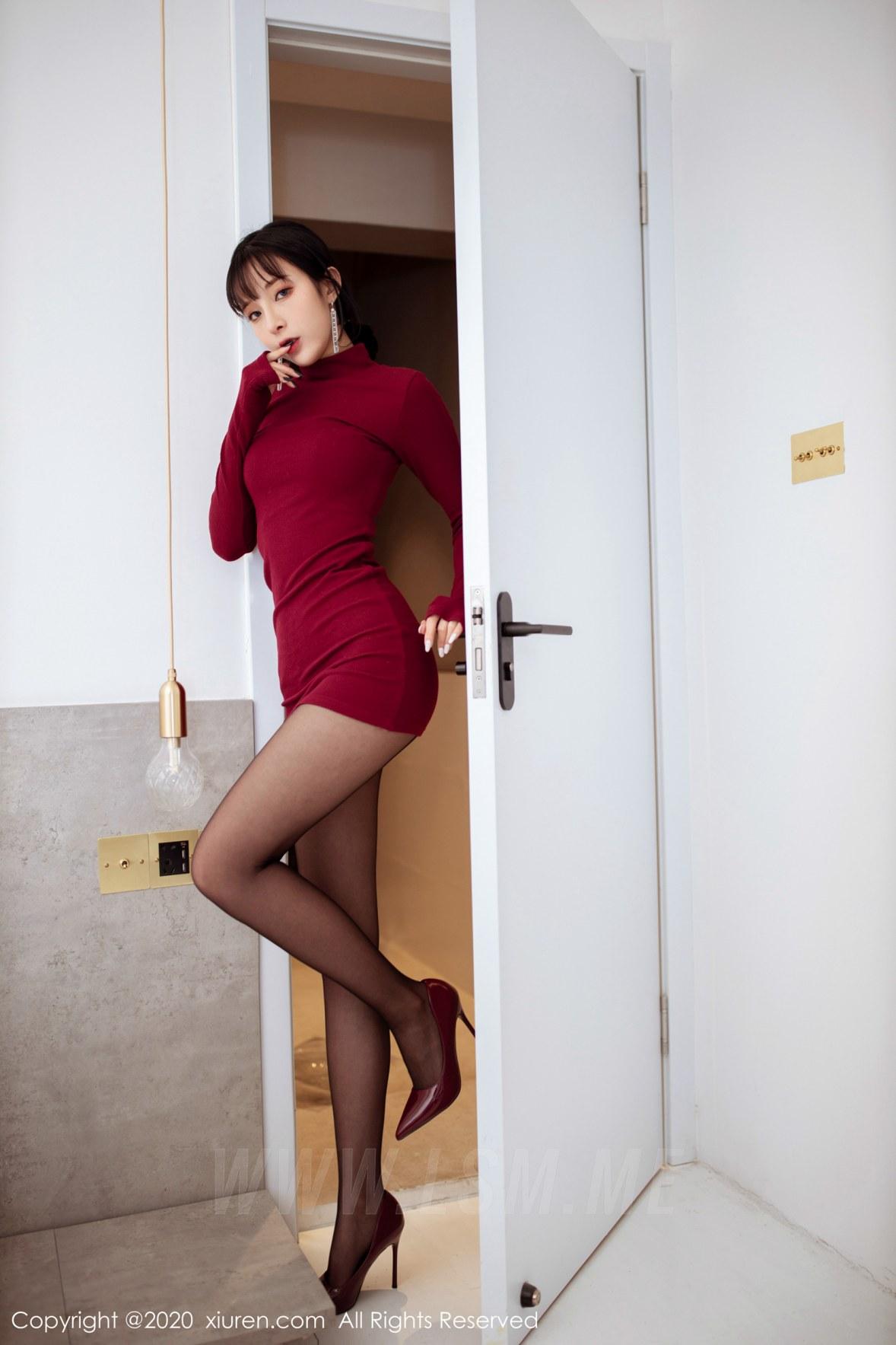 XiuRen 秀人 No.1968 红色高领毛衣 + 高跟黑丝 陈小喵 新图上架 - 4