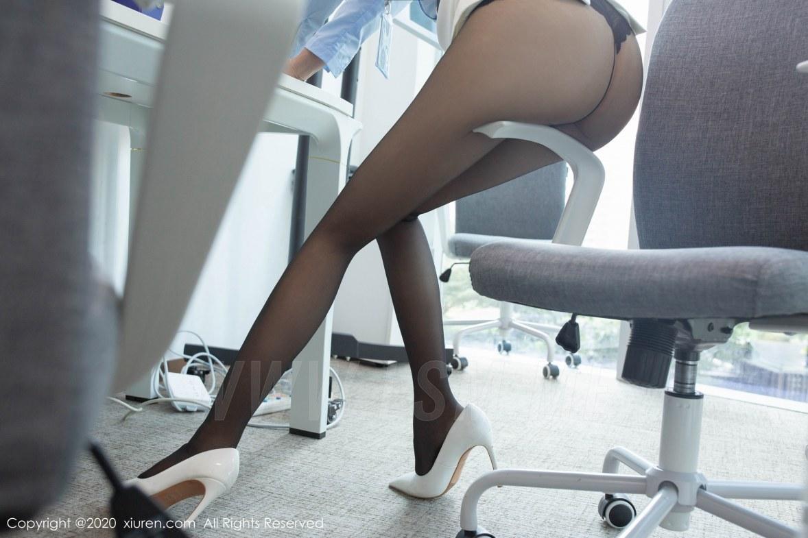 XiuRen 秀人 No.2047 皮鞭SM捆绑 芝芝Booty 办公室主题写真 - 3