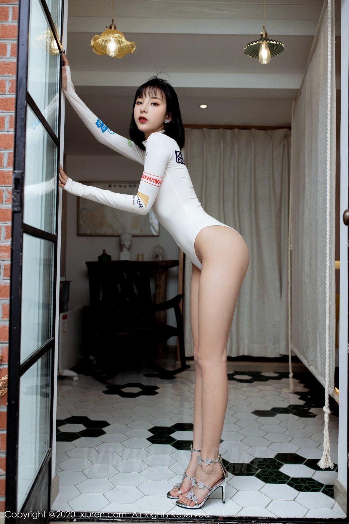 XiuRen 秀人 No.2049 赛车服写真 陈小喵 - 1