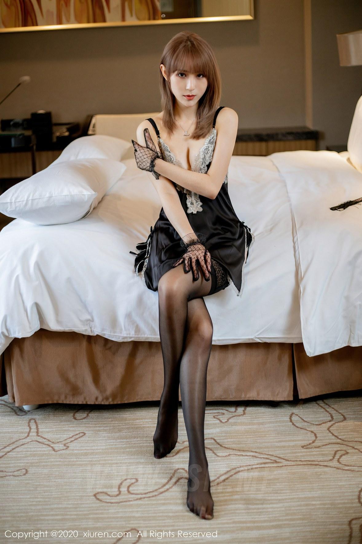 XiuRen 秀人 No.2360 性感睡裙 周慕汐fairy - 1