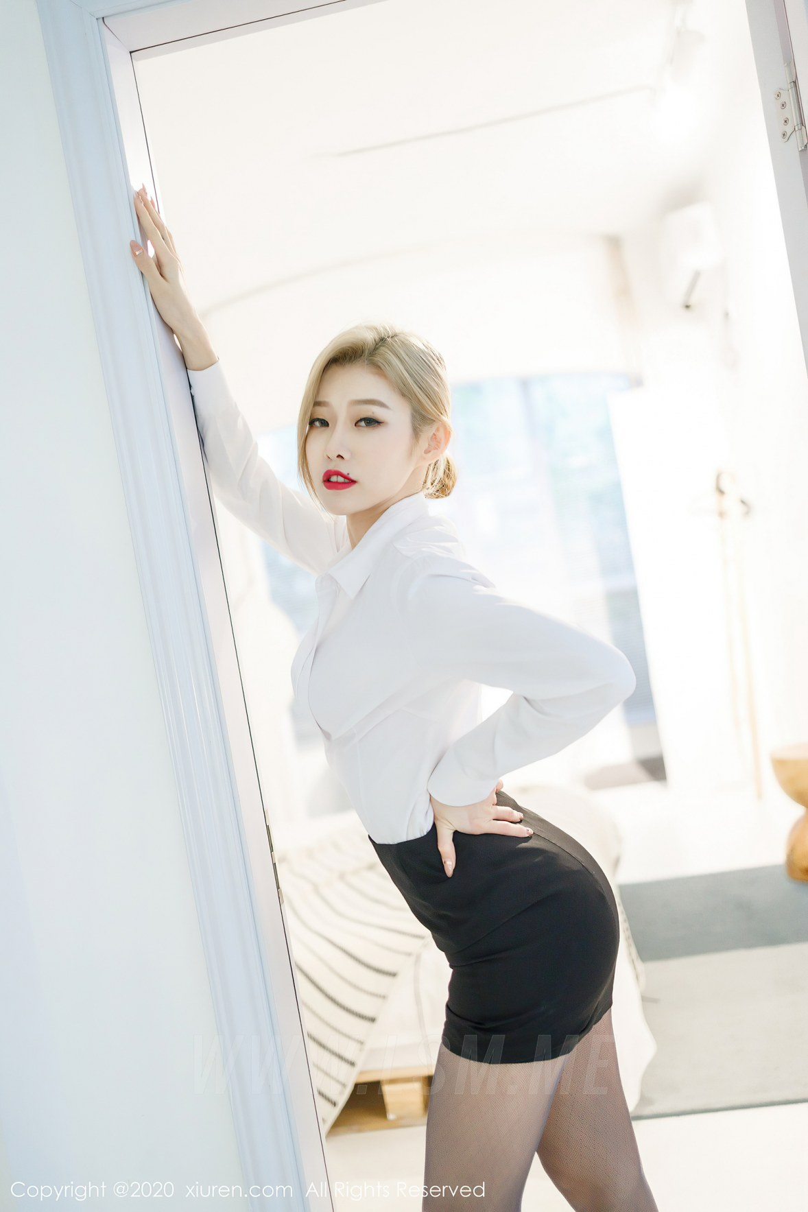 XiuRen 秀人 No.2466 短裙职业黑丝ol luvian本能 - 3
