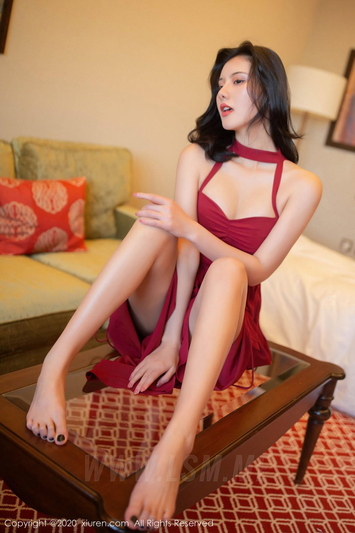 XiuRen 秀人 No.2468 异域风范 就是阿朱啊 红色长裙 东欧旅拍 - 2