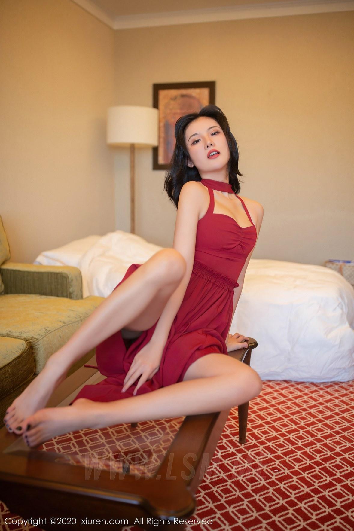 XiuRen 秀人 No.2468 异域风范 就是阿朱啊 红色长裙 东欧旅拍 - 4
