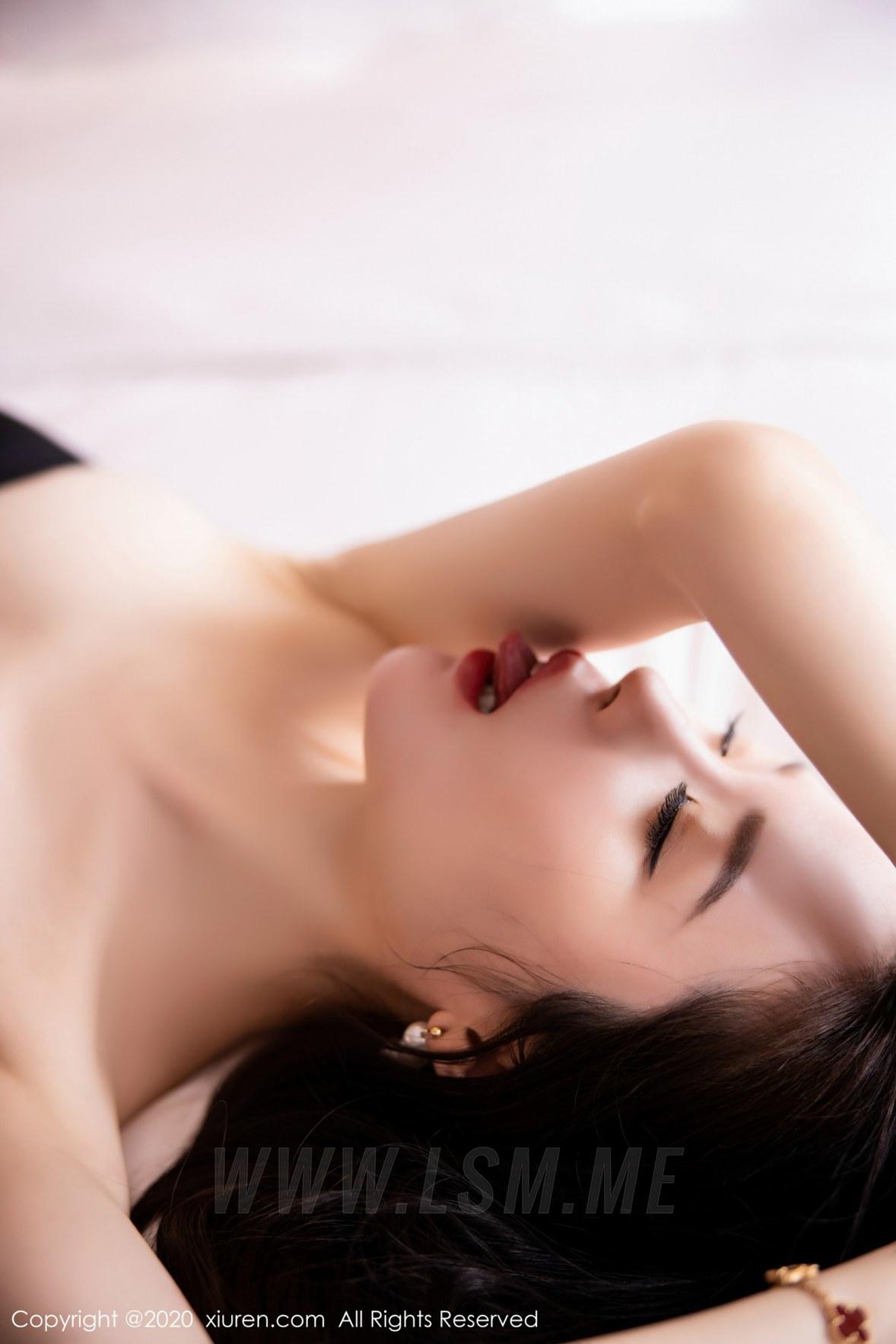 2535 008 7lb 3600 5400 - XiuRen 秀人 No.2535  黑丝魅惑抹胸 梦心月 - 秀人网 -【免费在线写真】【丽人丝语】