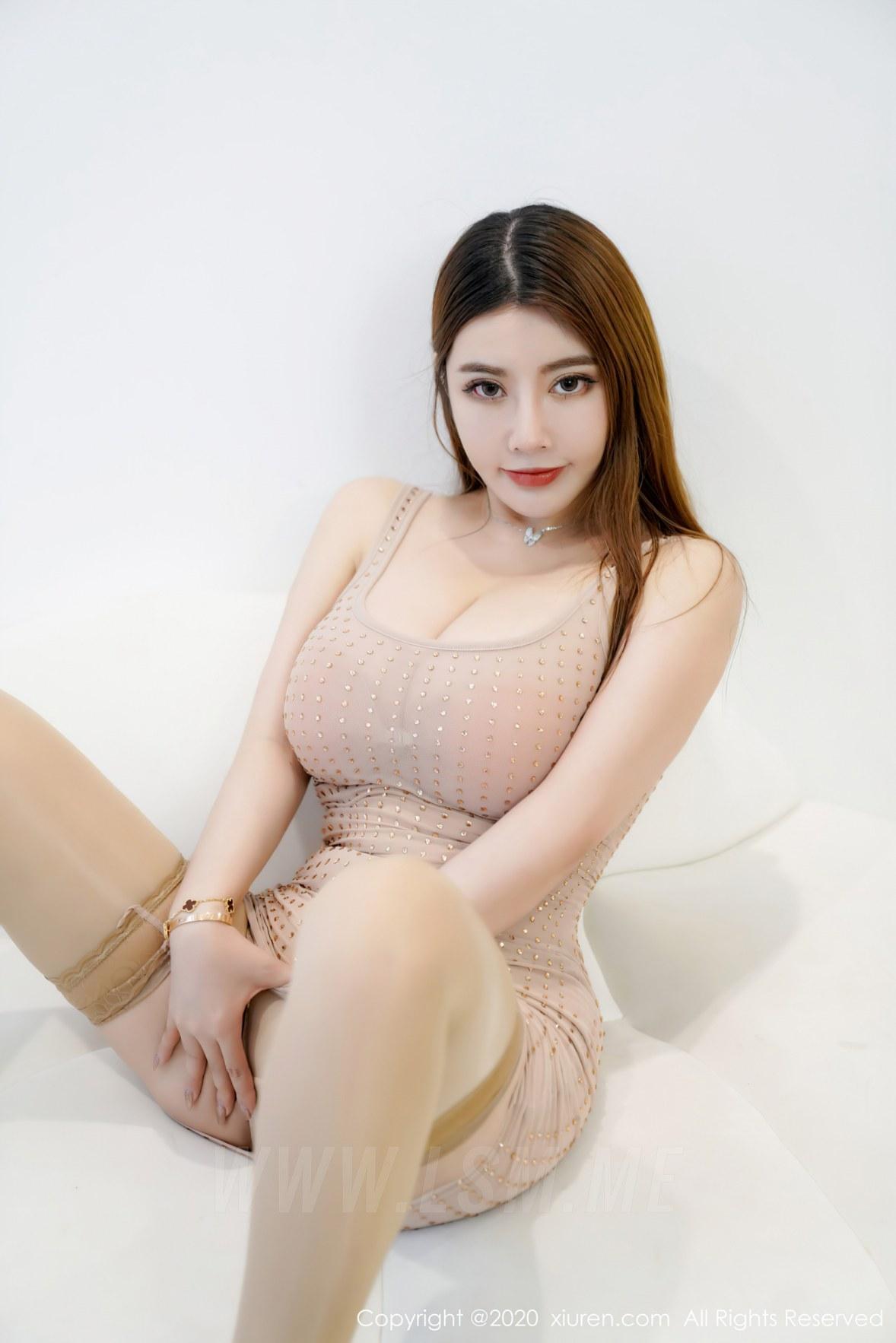 XiuRen 秀人 No.2572  巨乳肉色吊裙 软软Roro  三亚旅拍 - 1