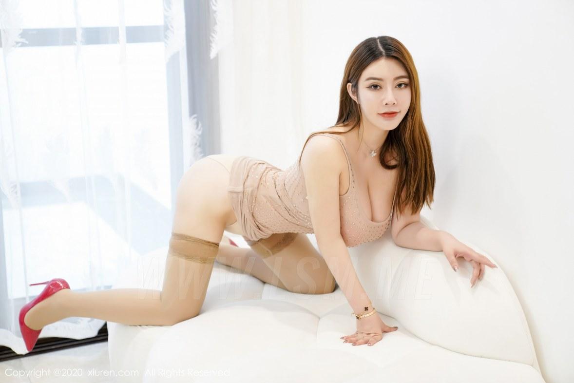 XiuRen 秀人 No.2572  巨乳肉色吊裙 软软Roro  三亚旅拍 - 2