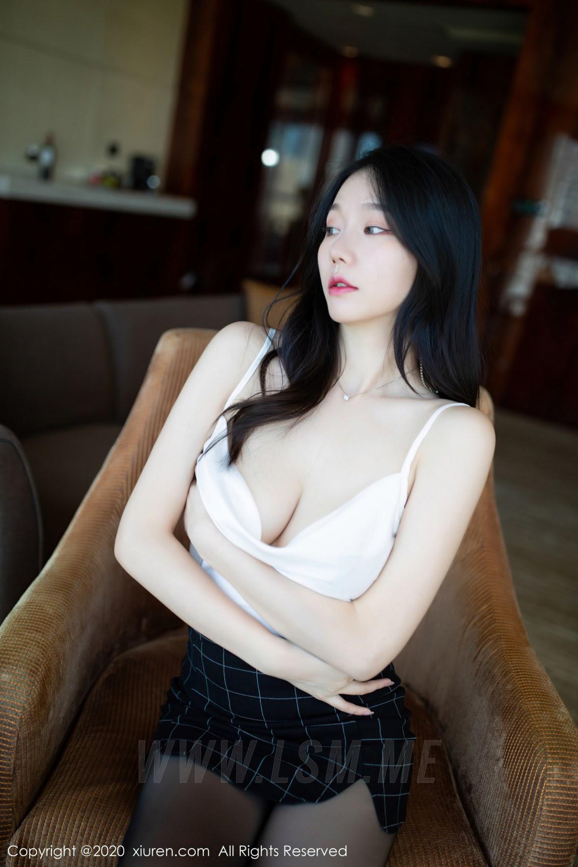 XiuRen 秀人 No.2710 私人秘书主题 安然 - 2