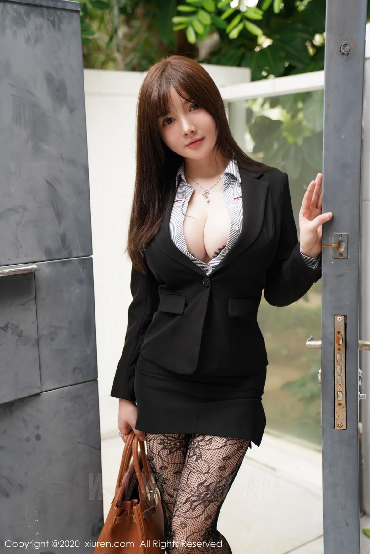 XiuRen 秀人 No.2725 网袜巨乳 糯美子 职场制服 - 4