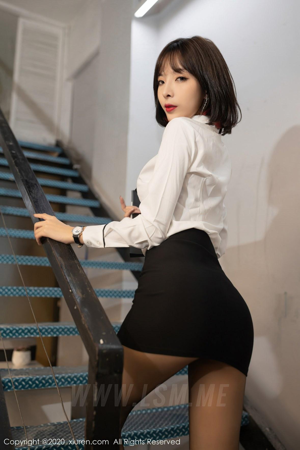 XiuRen 秀人 No.2755  办公室邂逅  陈小喵 - 1