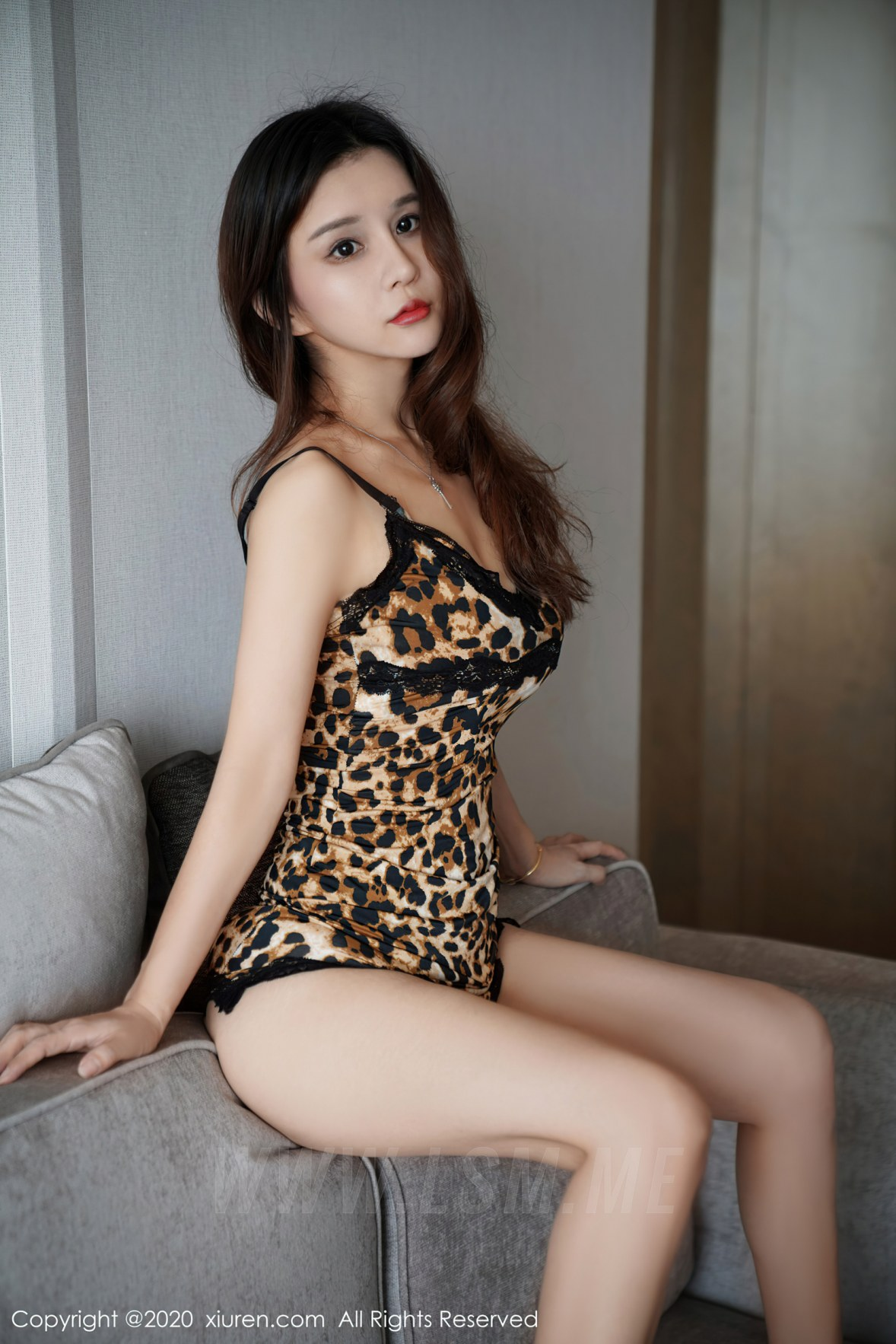 XiuRen 秀人 No.2761 狂野豹纹吊裙 张雨萌 - 2