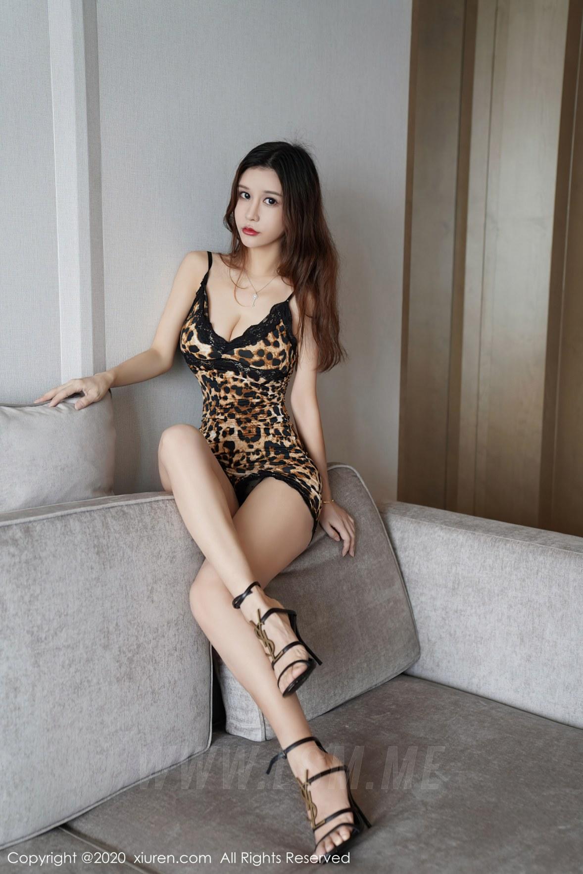 XiuRen 秀人 No.2761 狂野豹纹吊裙 张雨萌 - 4