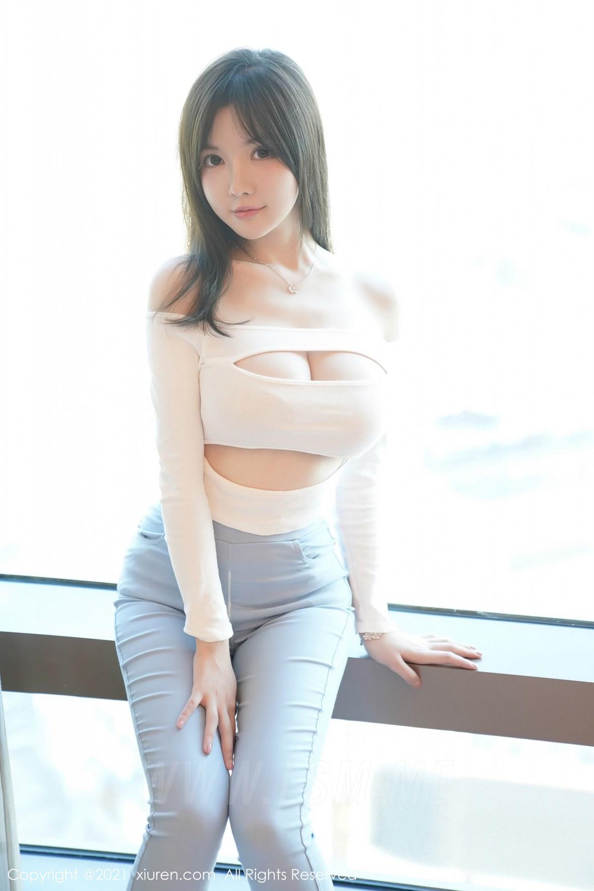 XiuRen 秀人 No.3055  拉链牛仔裤 糯美子  澳洲旅拍 - 2