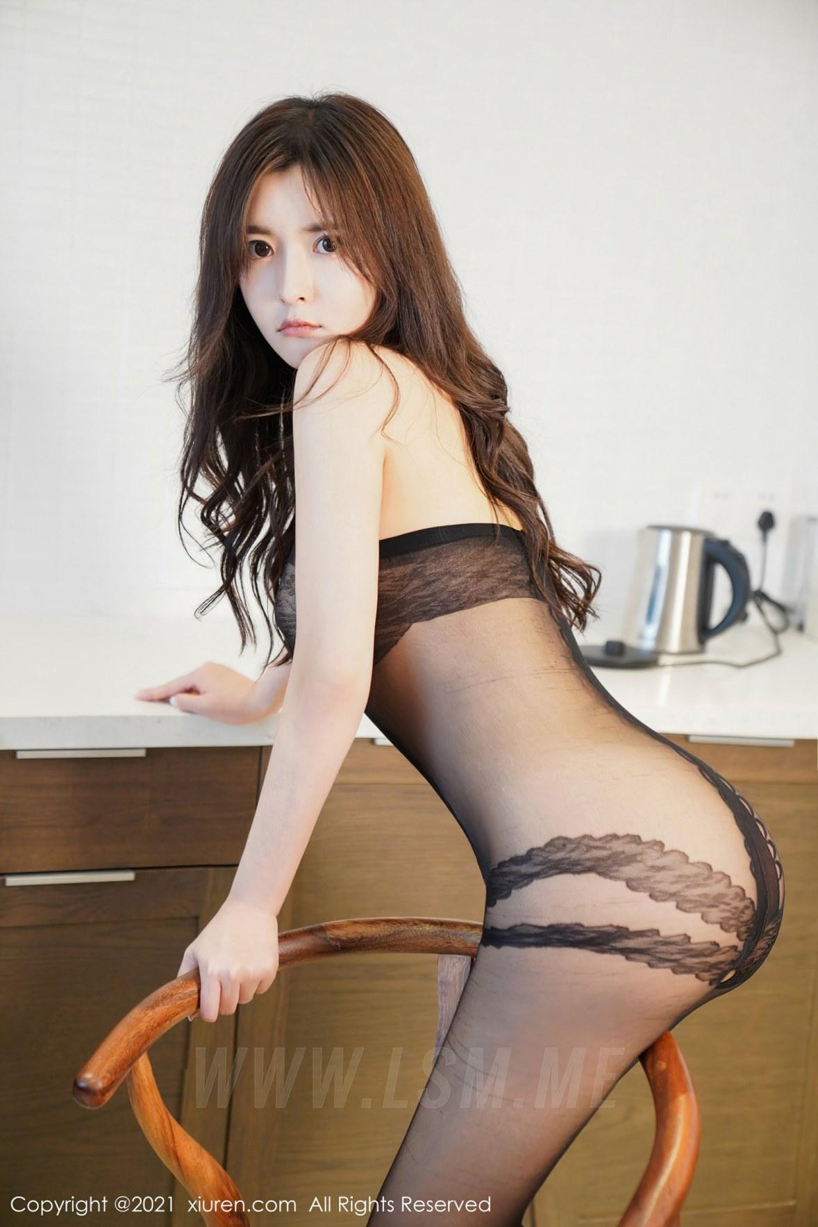 XiuRen 秀人 No.3072  白露小猪 黑丝紧身衣 - 1
