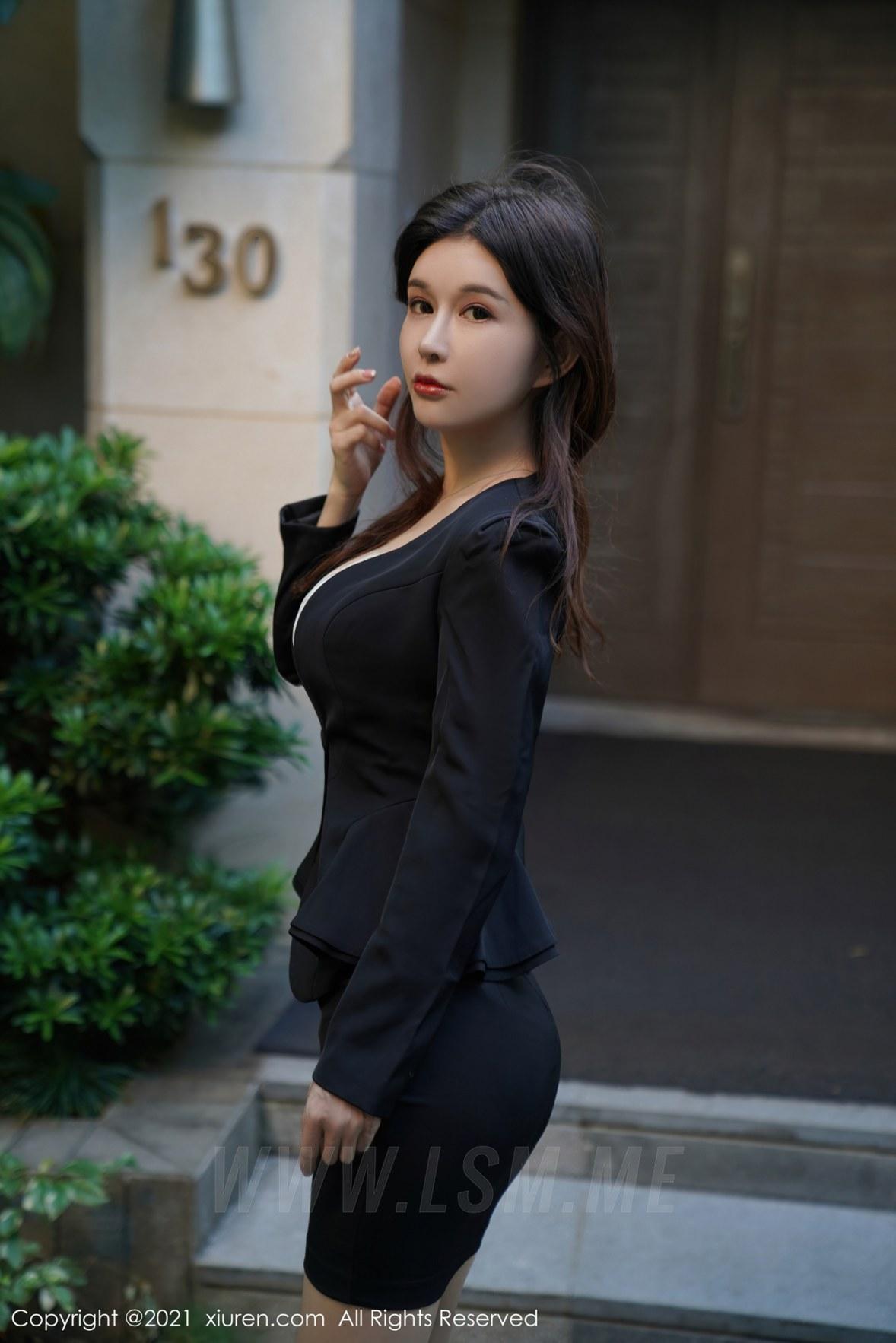 XiuRen 秀人 No.3077  蕾丝内衣  张雨萌 职场职业 - 1