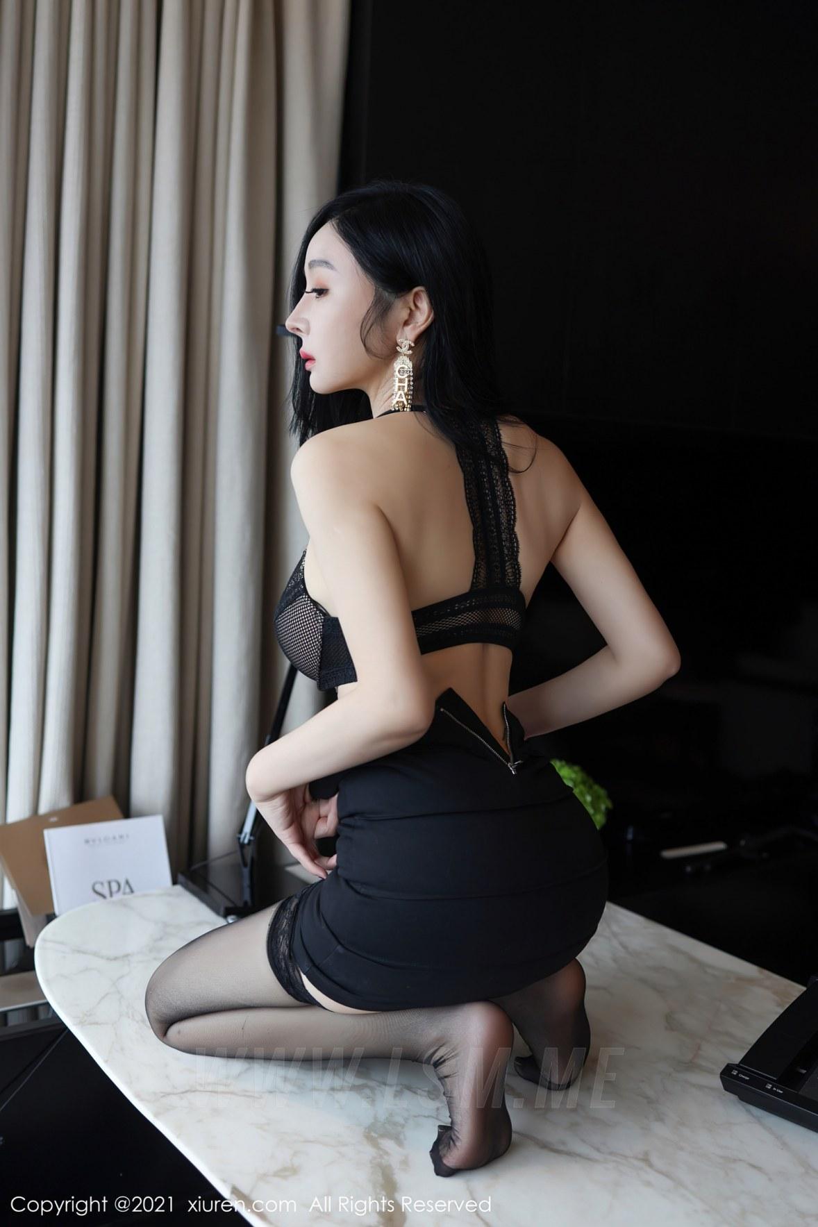 XiuRen 秀人 No.3101  白衬衫黑短裙 允爾 - 1