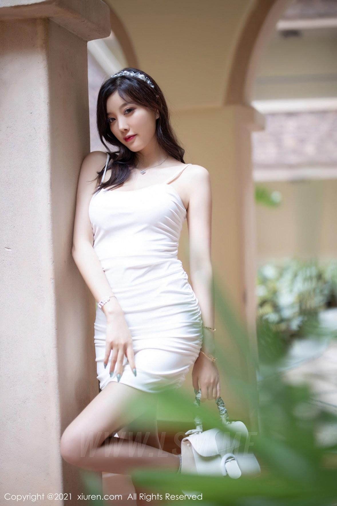 XiuRen 秀人 No.3234 洁白典雅吊裙  杨晨晨sugar - 4