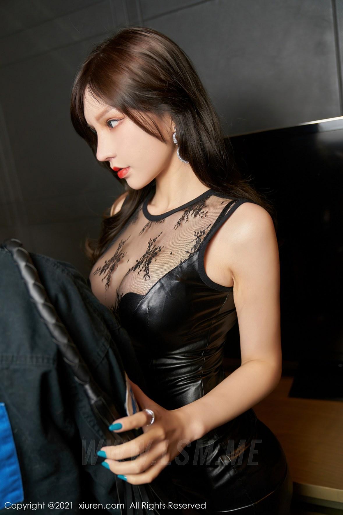 XiuRen 秀人 No.3254   魅惑黑色皮裙 周于希Sandy 极致网袜 - 2