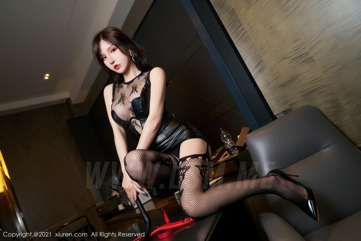 XiuRen 秀人 No.3254   魅惑黑色皮裙 周于希Sandy 极致网袜 - 3