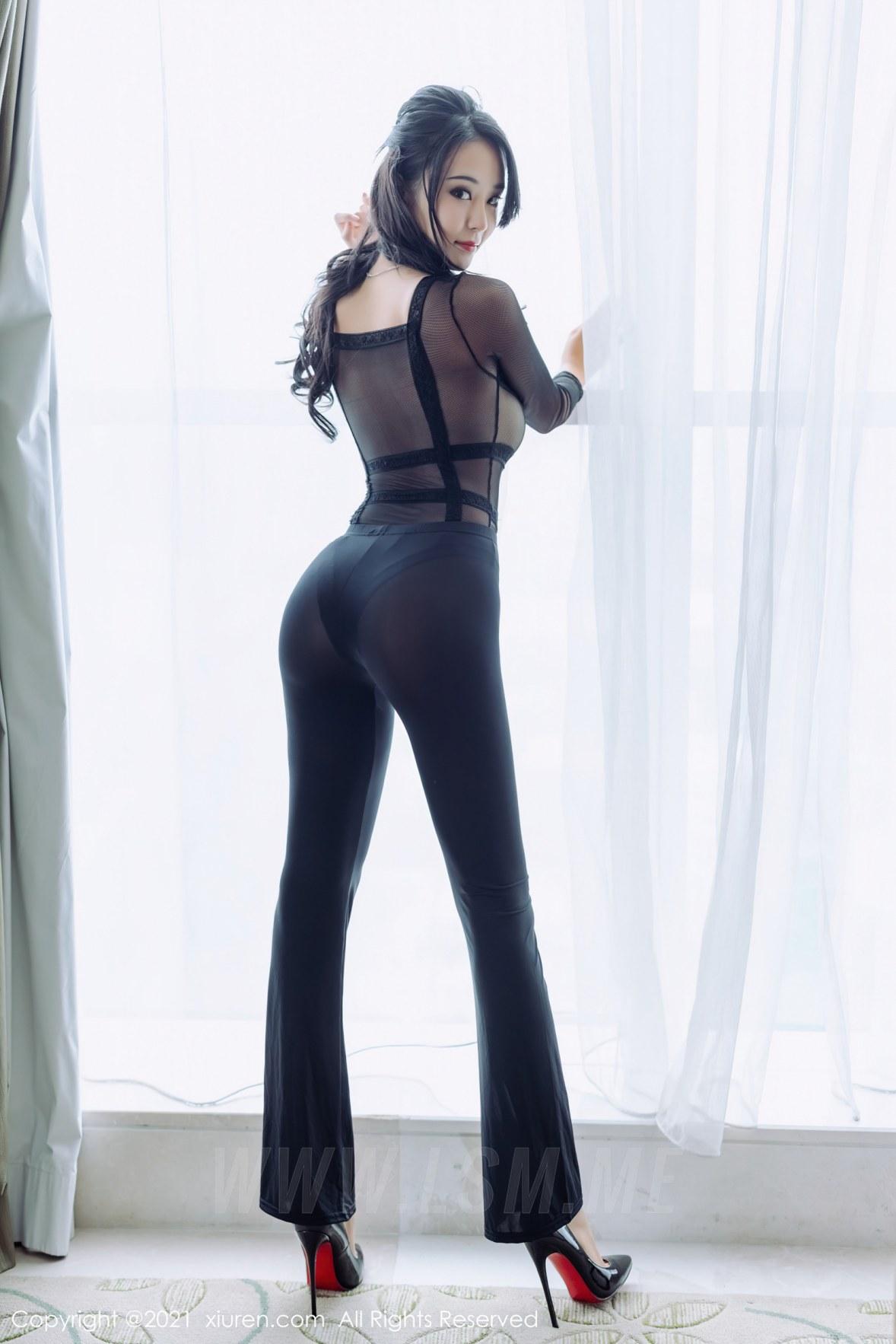 XiuRen 秀人 No.3319  紧身裤性感写真 蓝夏Akasha 黑色服饰 - 3