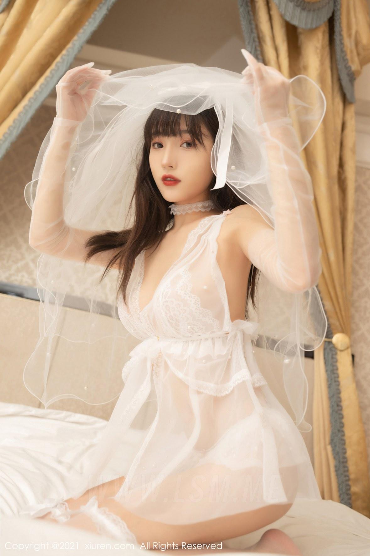 XiuRen 秀人 No.3334  轻盈的细纱曼妙娇躯 陆萱萱 成都旅拍写真 - 1