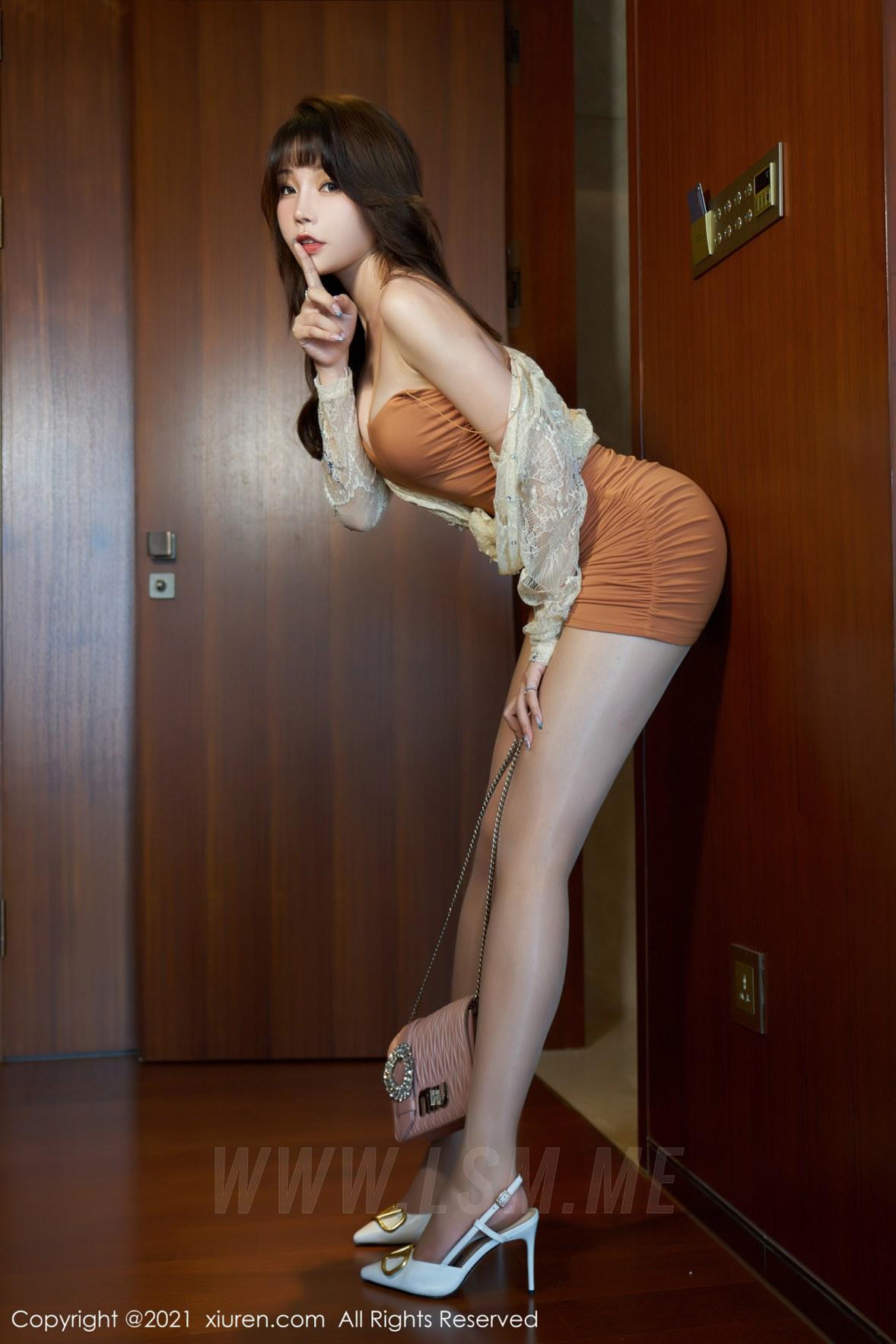 XiuRen 秀人 No.3448  魅惑吊裙 芝芝Booty 性感写真 - 1