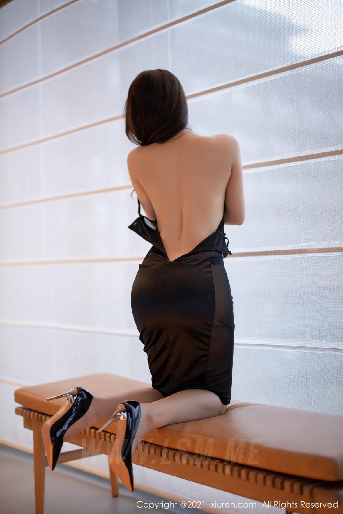 3465 026 fhm 3600 5400 - XiuRen 秀人 No.3465  黑色吊裙 徐安安 三亚旅拍写真 - 秀人网 -【免费在线写真】【丽人丝语】