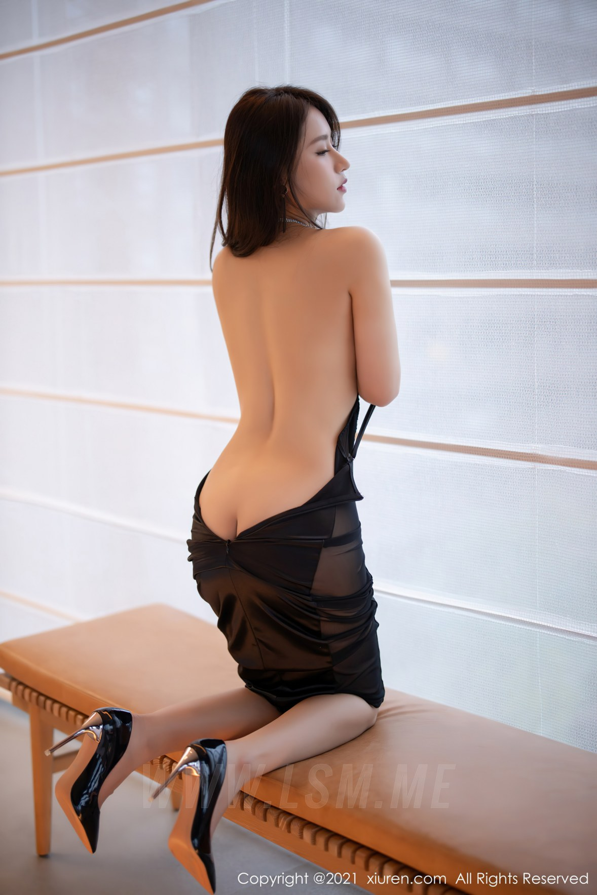 3465 028 uck 3600 5400 - XiuRen 秀人 No.3465  黑色吊裙 徐安安 三亚旅拍写真 - 秀人网 -【免费在线写真】【丽人丝语】