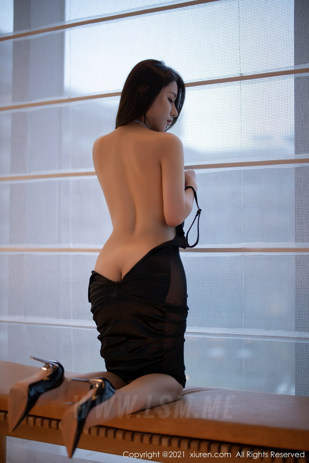 3465 045 s1u 3600 5400 - XiuRen 秀人 No.3465  黑色吊裙 徐安安 三亚旅拍写真 - 秀人网 -【免费在线写真】【丽人丝语】