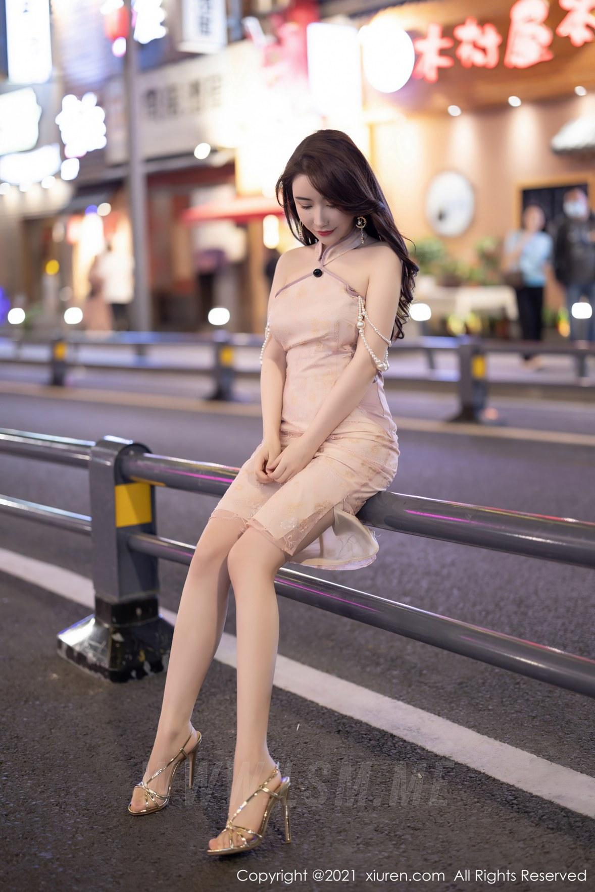 XiuRen 秀人 No.3497  性感玉背 Cherry绯月樱 江浙沪旅拍写真 - 2