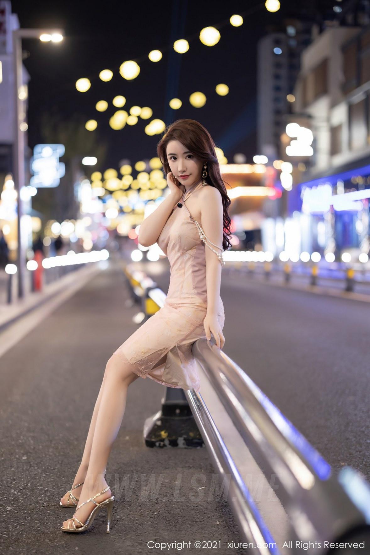 XiuRen 秀人 No.3497  性感玉背 Cherry绯月樱 江浙沪旅拍写真 - 3