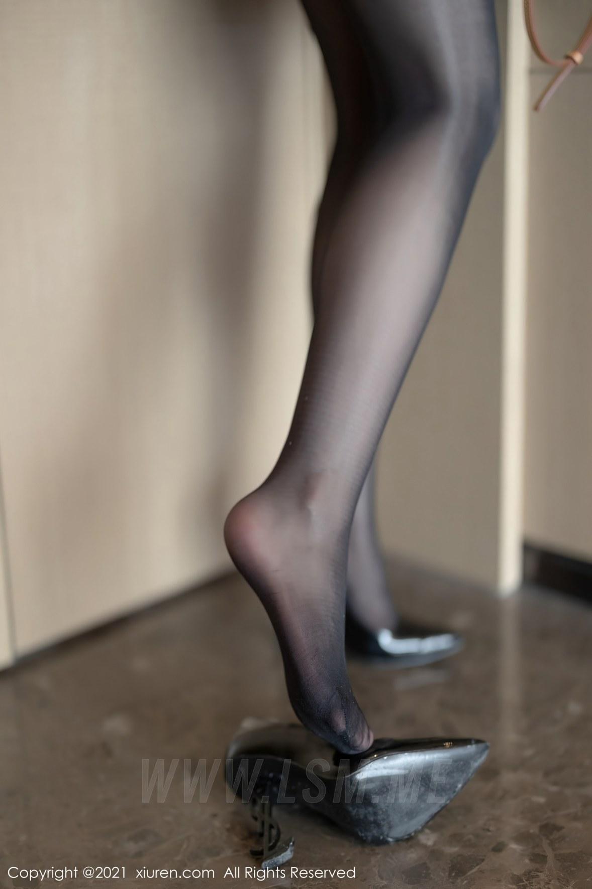 3525 008 aqb 3600 5400 - XiuRen 秀人 No.3525  白衬衫黑短裙OL Cherry绯月樱 江浙沪旅拍写真 - 秀人网 -【免费在线写真】【丽人丝语】