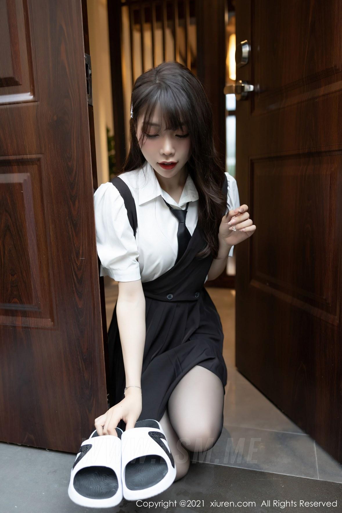 XiuRen 秀人 No.3643 剧情手法女仆主题 芝芝Booty 性感写真11 - 4